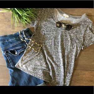 Tops - 3/$15 Women's Gray T-Shirt